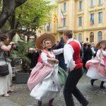 ואנס, רוקדים
