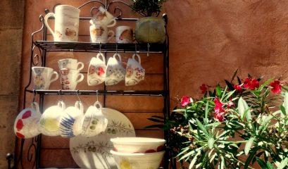 שלוש עיירות בדרום צרפת המשמרות מסורת של קדרות וקרמיקה